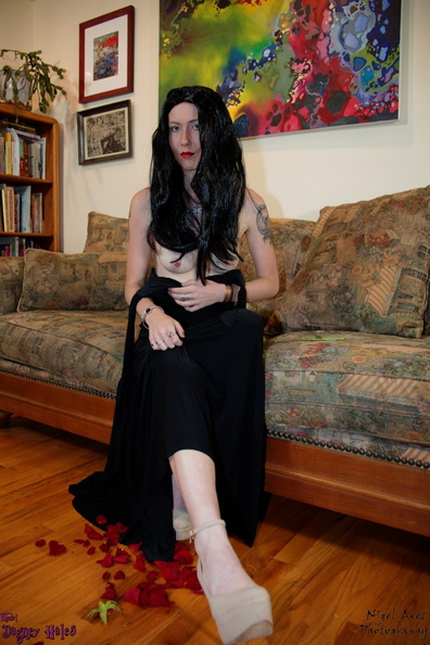 Dagney_is_Morticia-31-10-2016-036.jpg